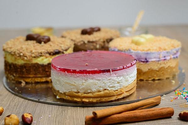Ferrero, Snickers, Bela malina i Cheesecake tortica