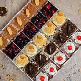 Bombonjera Dessert Selection
