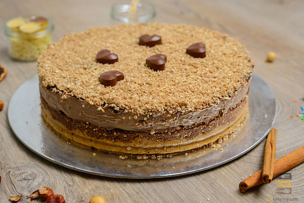 Čokolada lešnik torta